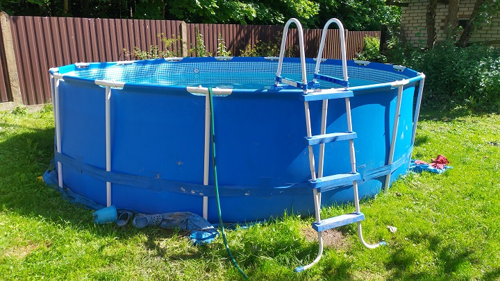 best-above-ground-pool-ladders