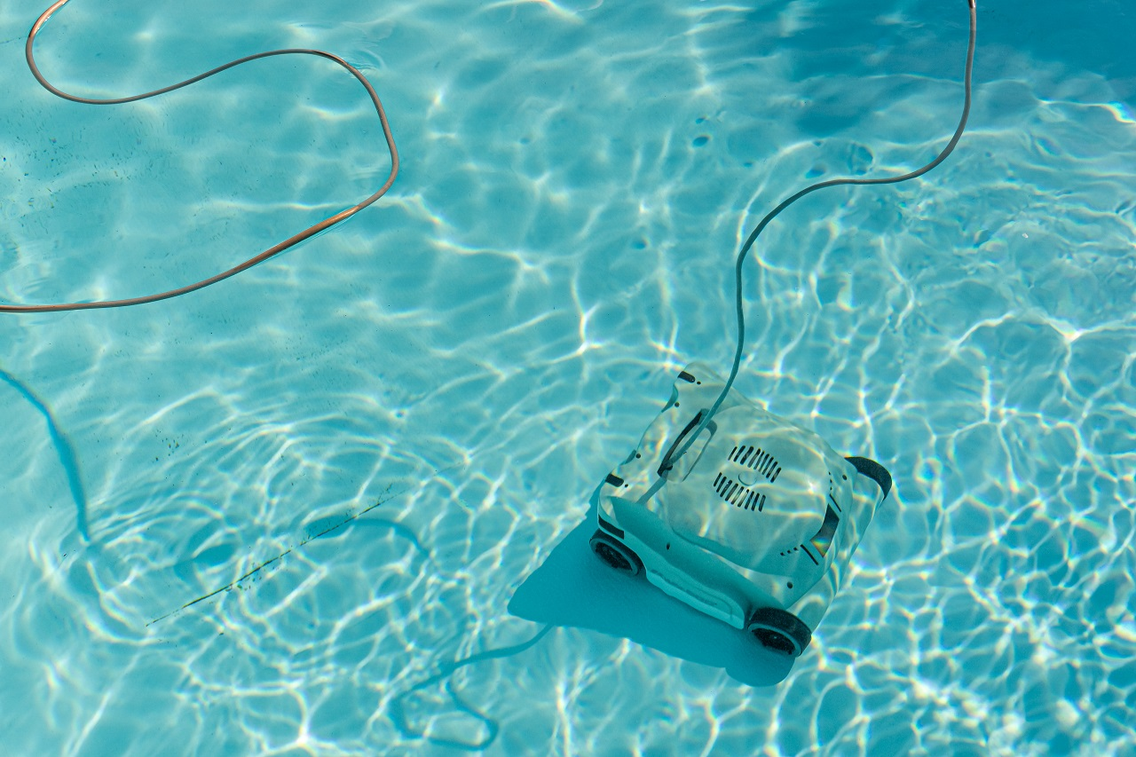Automatic-robotic-pool-vacuum-cleaner-under-water-cleaning-the-floor
